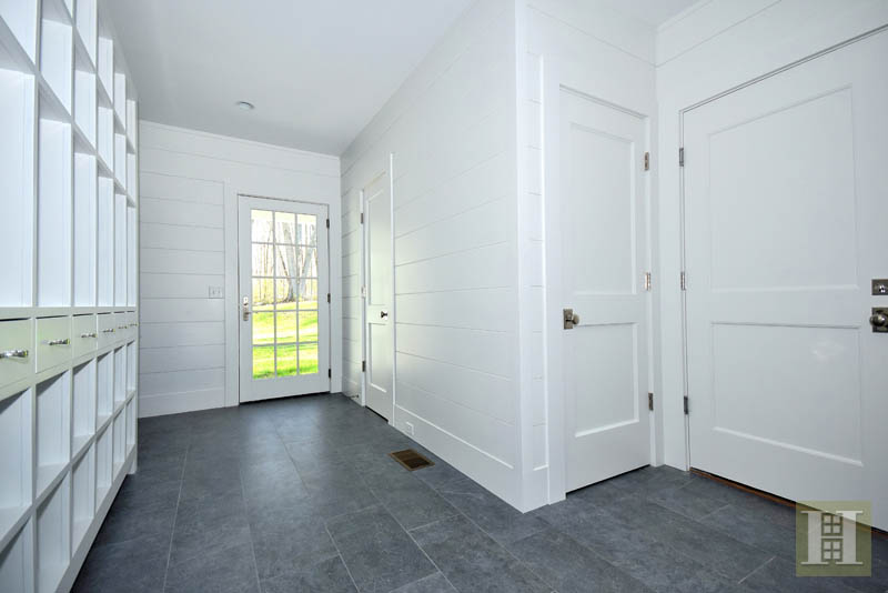 Additional photo for property listing at 69 WELLES LANE  New Canaan, コネチカット,06840 アメリカ合衆国