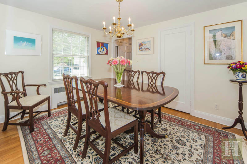 Additional photo for property listing at 6 TYLER DRIVE  Darien, Connecticut,06820 États-Unis