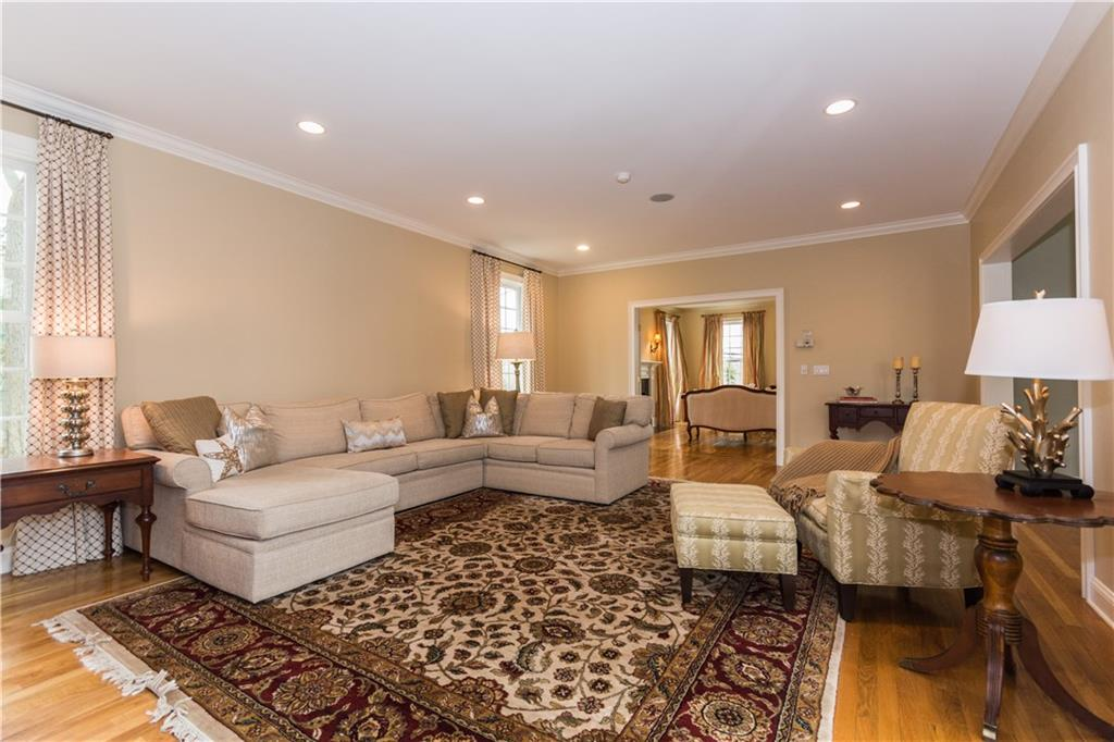 Additional photo for property listing at 450 MANSFIELD AVENUE  Darien, Connecticut,06820 Hoa Kỳ