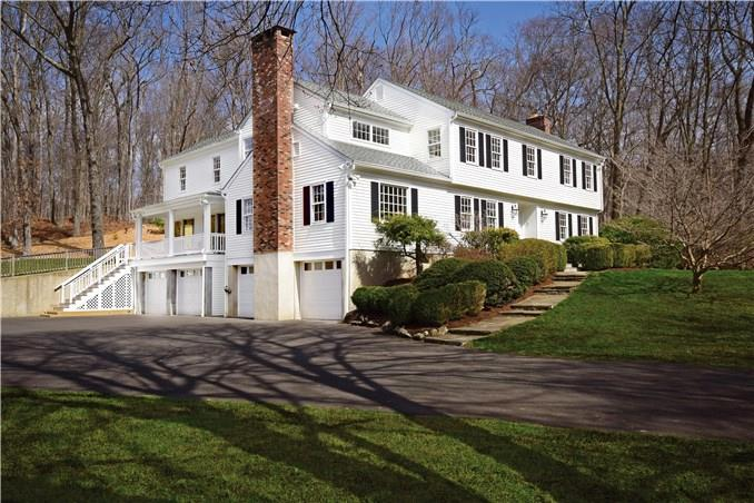 Additional photo for property listing at 1037 VALLEY ROAD  New Canaan, Connecticut,06840 Verenigde Staten