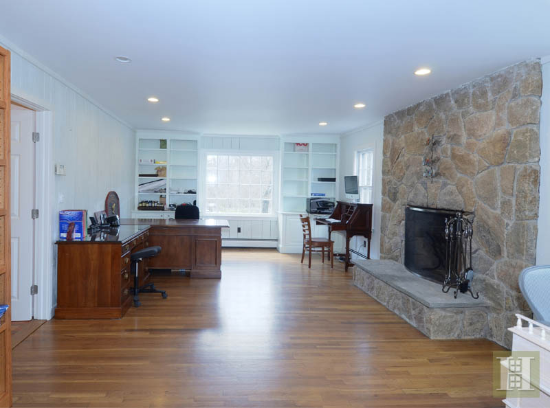 Additional photo for property listing at 1037 VALLEY ROAD  New Canaan, Connecticut,06840 Amerika Birleşik Devletleri
