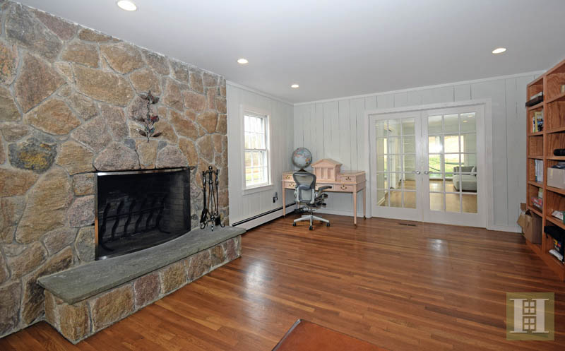 Additional photo for property listing at 1037 VALLEY ROAD  New Canaan, Коннектикут,06840 Соединенные Штаты