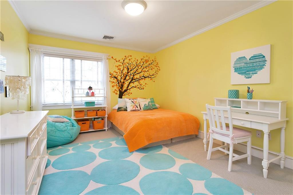Additional photo for property listing at 36 ARROWHEAD WAY EXTENSION  Darien, Connecticut,06820 États-Unis
