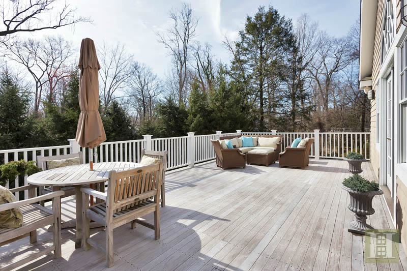 Additional photo for property listing at 36 ARROWHEAD WAY EXTENSION  Darien, Connecticut,06820 Estados Unidos