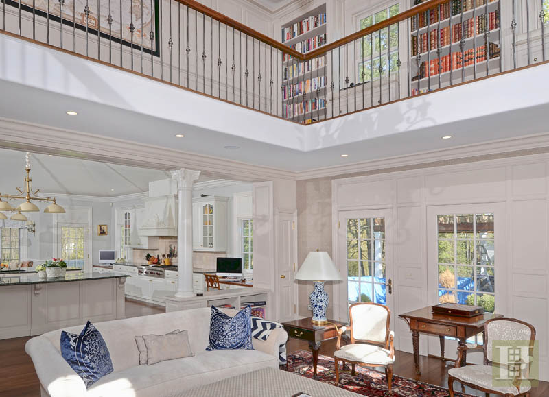 Additional photo for property listing at 31 DEACONS WAY  New Canaan, Connecticut,06840 Estados Unidos