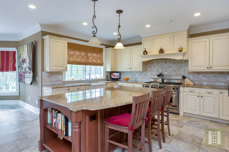Additional photo for property listing at 87 BUCKINGHAM RIDGE ROAD  Wilton, Connecticut,06897 Amerika Birleşik Devletleri