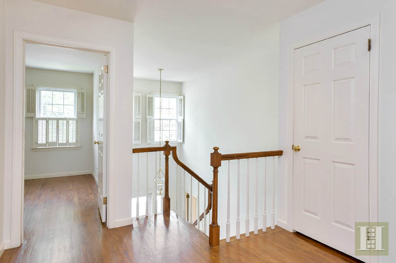 Additional photo for property listing at 143 EAST AVENUE  New Canaan, Connecticut,06840 États-Unis