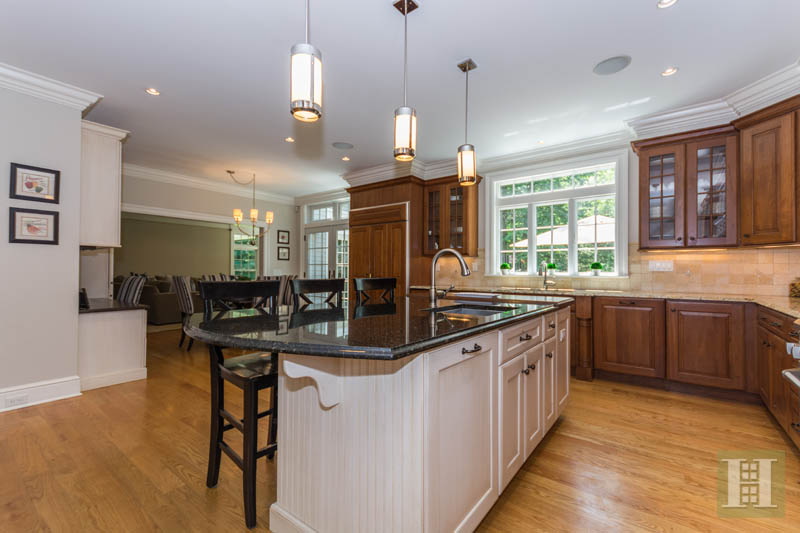 Additional photo for property listing at 1 SHADY ACRES ROAD  Darien, Connecticut,06820 Stati Uniti