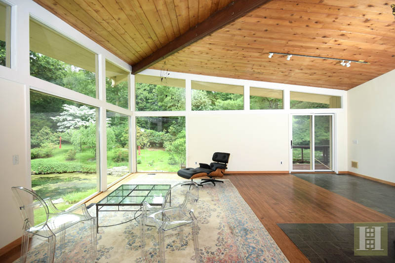 Additional photo for property listing at 209 FROGTOWN ROAD  New Canaan, Connecticut,06840 États-Unis