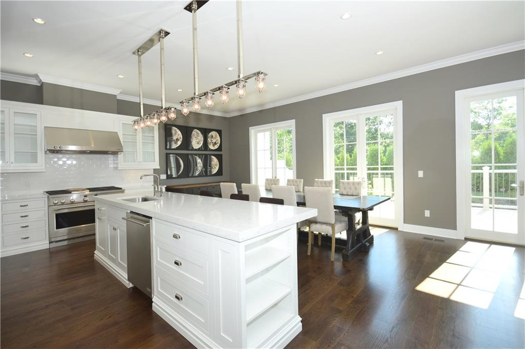 Additional photo for property listing at 48 KENSETT LANE  Darien, Connecticut,06820 Stati Uniti