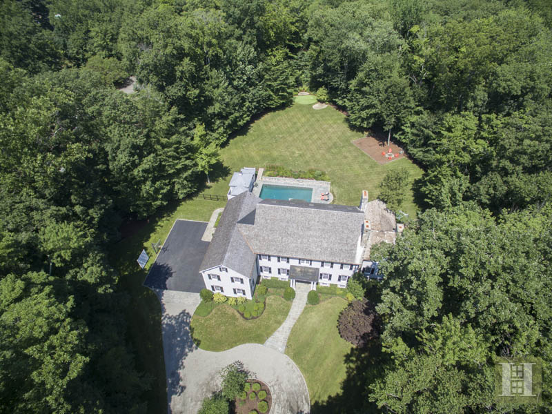 Additional photo for property listing at 40 BLUEBERRY LANE  Darien, Connecticut,06820 Verenigde Staten