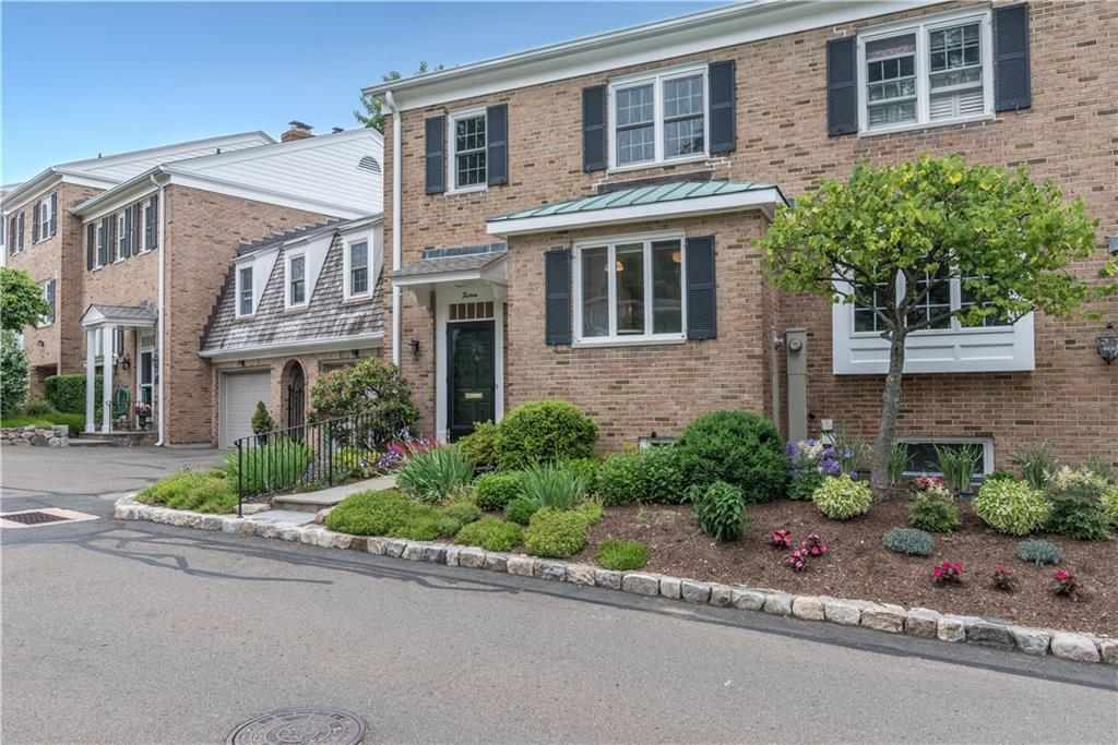 共管物業 為 出售 在 205 MAIN STREET New Canaan, 康涅狄格州,06840 美國