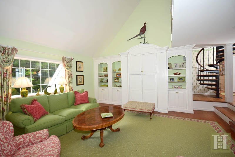 Additional photo for property listing at 32 FITCH LANE  New Canaan, Connecticut,06840 Estados Unidos