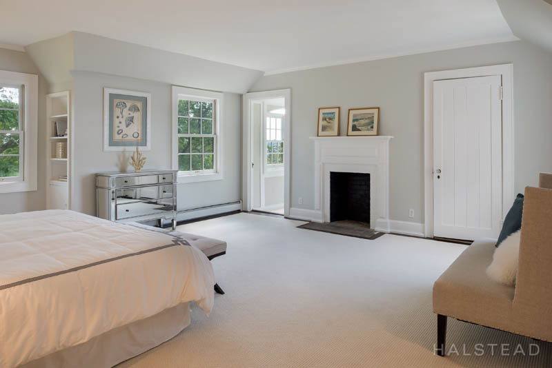 Additional photo for property listing at 42 CONTENTMENT ISLAND ROAD  Darien, Connecticut,06820 Hoa Kỳ