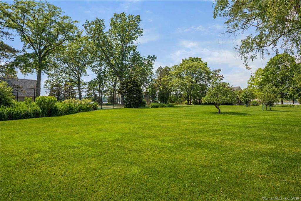 Additional photo for property listing at 42 CONTENTMENT ISLAND ROAD  Darien, Connecticut,06820 Vereinigte Staaten