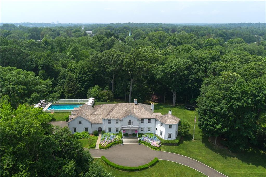 Additional photo for property listing at 10 GLEN GORHAM LANE  Darien, Коннектикут,06820 Соединенные Штаты