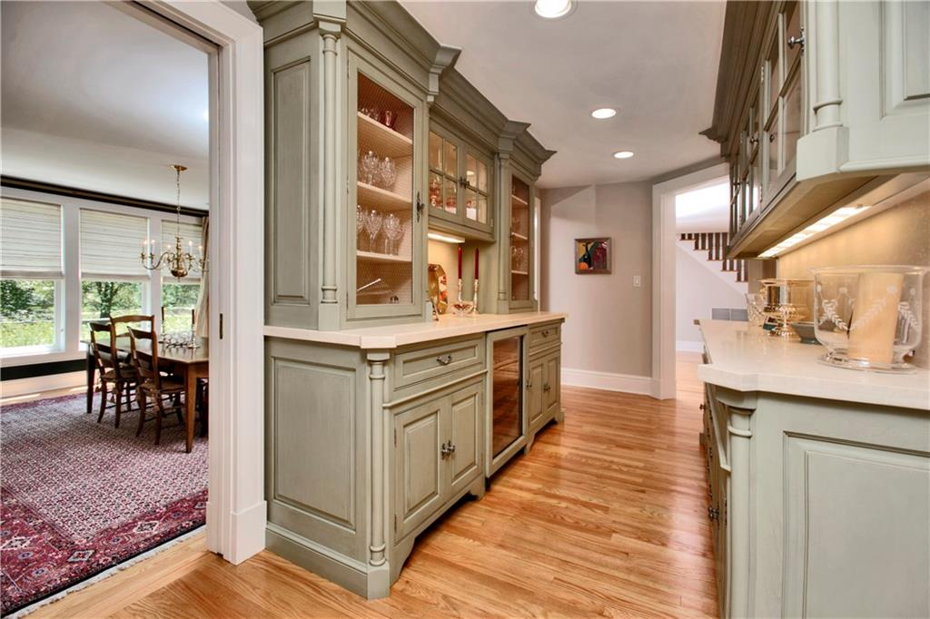Additional photo for property listing at 783 VALLEY ROAD  New Canaan, Коннектикут,06840 Соединенные Штаты