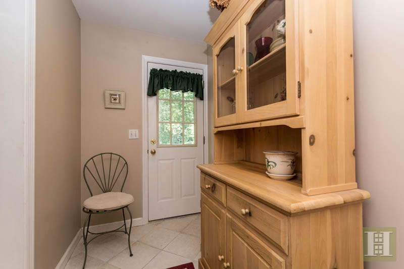 Additional photo for property listing at 283 BUTTERY ROAD  New Canaan, 康涅狄格州,06840 美國