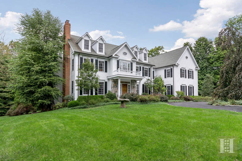 Maison unifamiliale pour l Vente à 20 LUKES WOOD ROAD New Canaan, Connecticut,06840 États-Unis