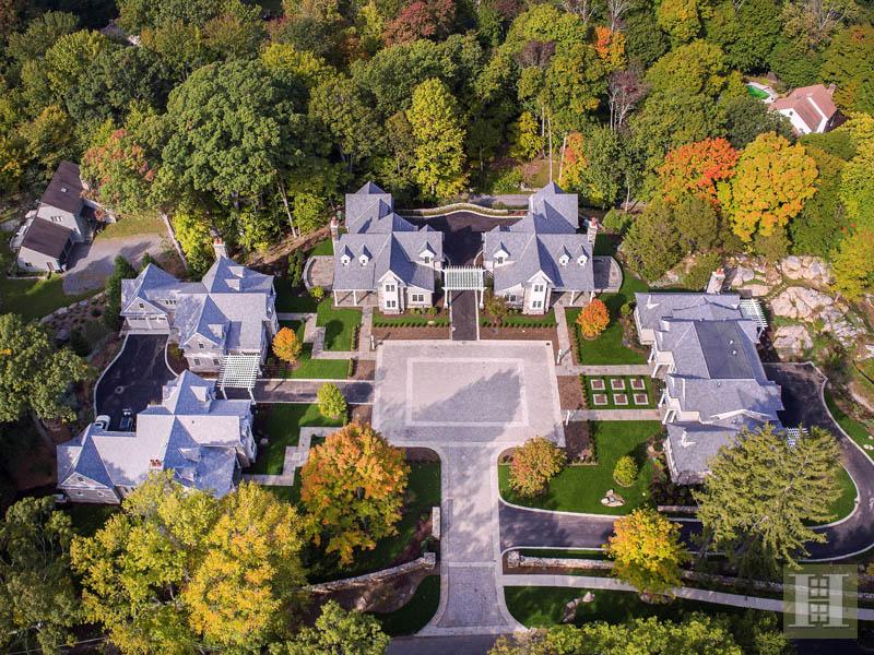 独户住宅 为 销售 在 2 SETTLERS TRAIL 达连湾, 康涅狄格州,06820 美国