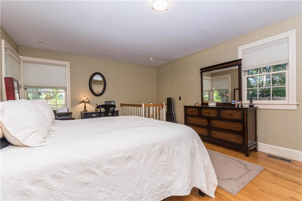 Additional photo for property listing at 95 SOUTH AVENUE  New Canaan, Connecticut,06840 Estados Unidos
