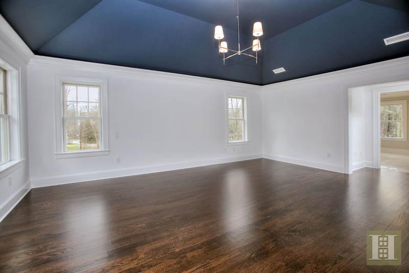 Additional photo for property listing at 5 PARSONS WALK  Darien, Connecticut,06820 États-Unis
