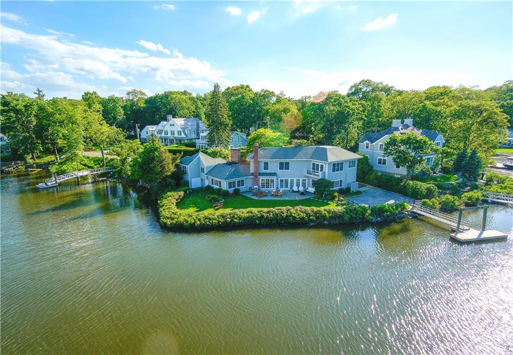 独户住宅 为 销售 在 61 FIVE MILE RIVER ROAD 达连湾, 康涅狄格州,06820 美国