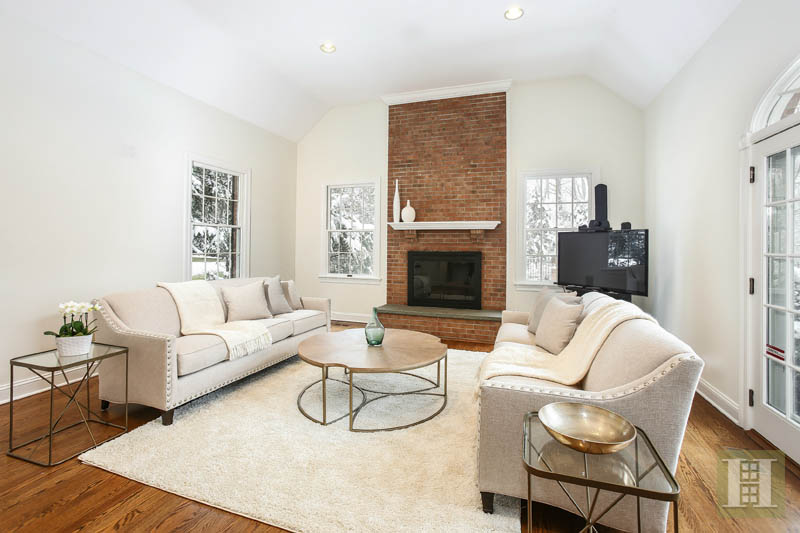 Additional photo for property listing at 28 SHIELDS ROAD  Darien, Connecticut,06820 Estados Unidos