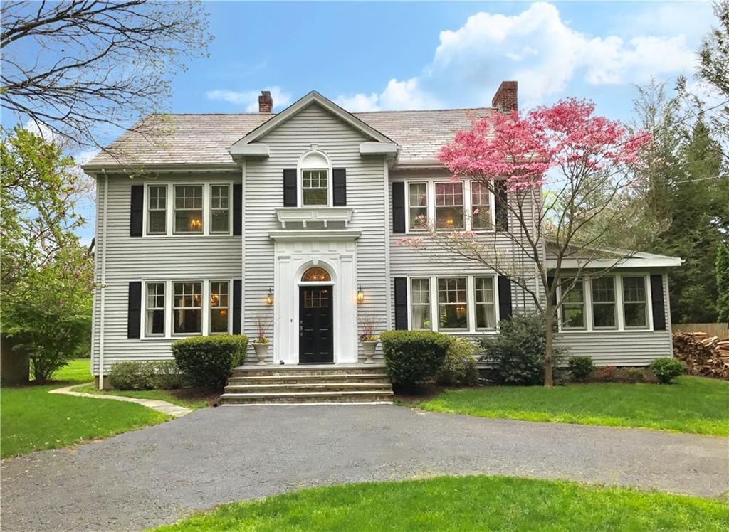 Частный дом для того Продажа на 74 GARDINER STREET Darien, Коннектикут,06820 Соединенные Штаты