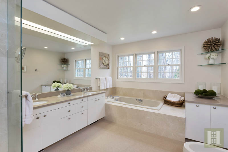 Additional photo for property listing at 116 RIDGE ACRES ROAD  Darien, 康涅狄格州,06820 美國