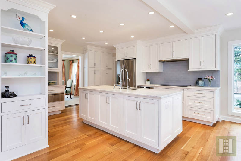 Additional photo for property listing at 5 MEADOW ROAD  Darien, Connecticut,06820 Verenigde Staten