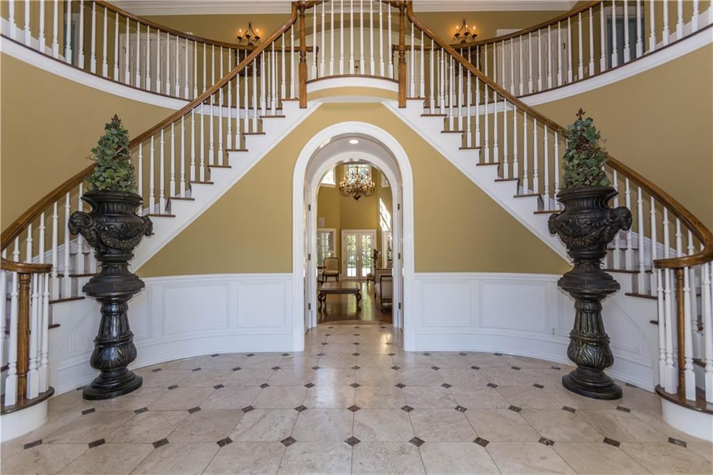 Additional photo for property listing at 260 LUKES WOOD ROAD  New Canaan, Connecticut,06840 Vereinigte Staaten