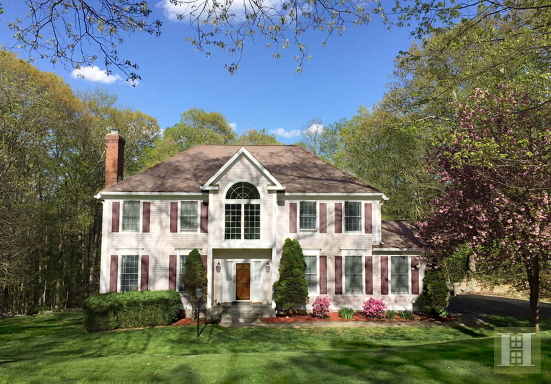 独户住宅 为 销售 在 86 GRAENEST RIDGE ROAD 威尔顿, 康涅狄格州,06897 美国