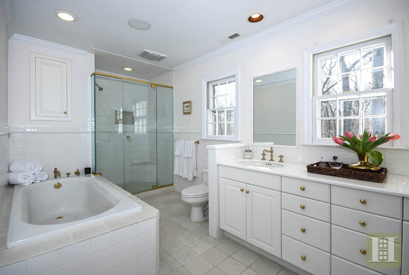 Additional photo for property listing at 45 SILVER RIDGE ROAD  New Canaan, Connecticut,06840 États-Unis