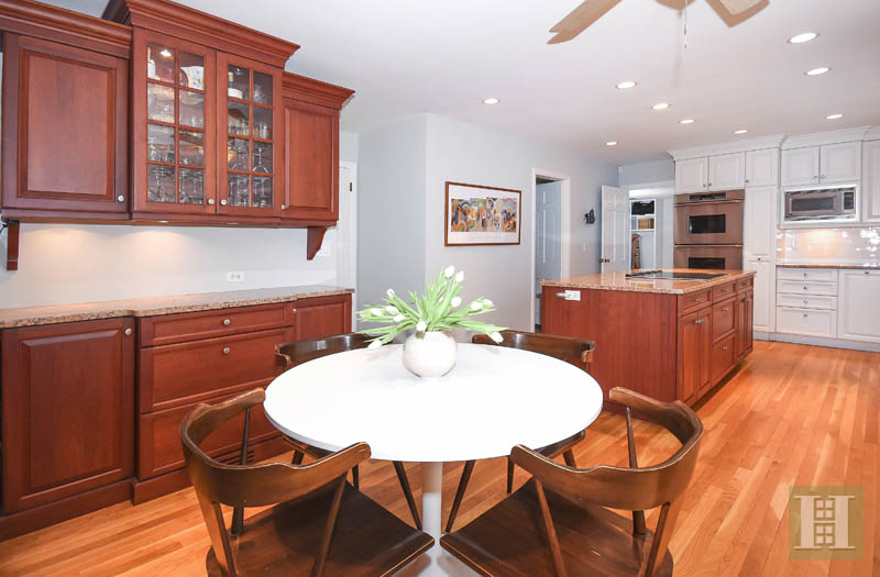 Additional photo for property listing at 45 SILVER RIDGE ROAD  New Canaan, Connecticut,06840 Hoa Kỳ
