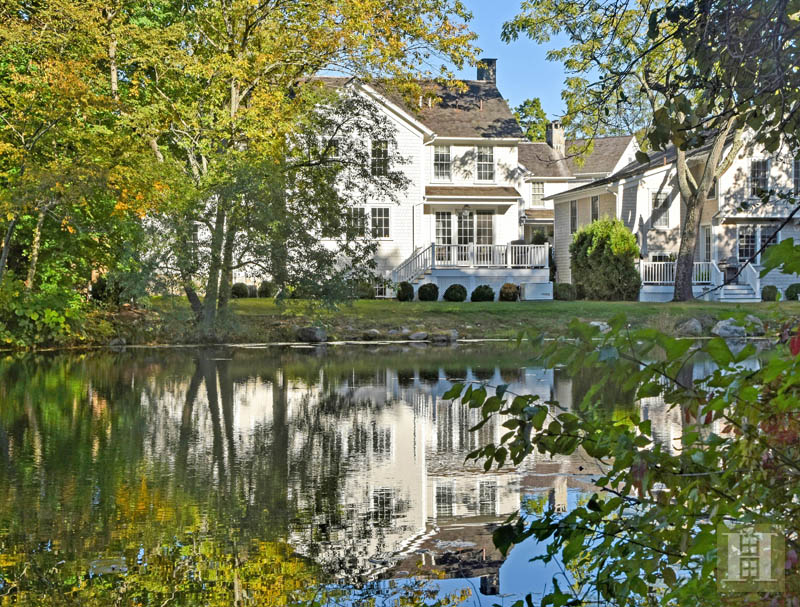 Casa Unifamiliar por un Venta en 51 JELLIFF MILL ROAD New Canaan, Connecticut,06840 Estados Unidos