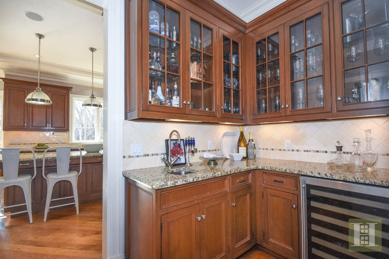 Additional photo for property listing at 236 SOUTH BALD HILL ROAD  New Canaan, Connecticut,06840 Verenigde Staten