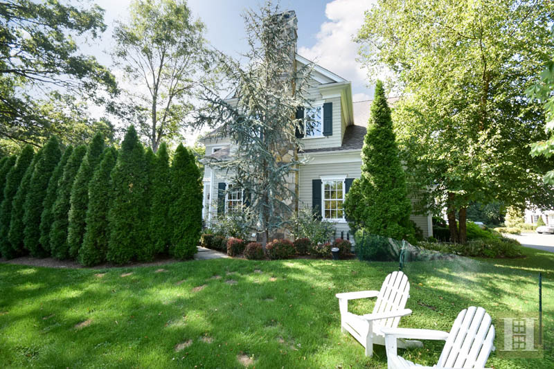 Additional photo for property listing at 33 OLD STAMFORD ROAD  New Canaan, 코네티컷,06840 미국