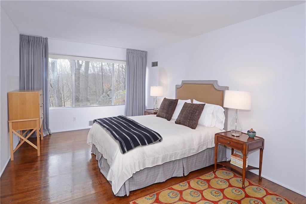 Additional photo for property listing at 1380 PONUS RIDGE  New Canaan, Connecticut,06840 Amerika Birleşik Devletleri