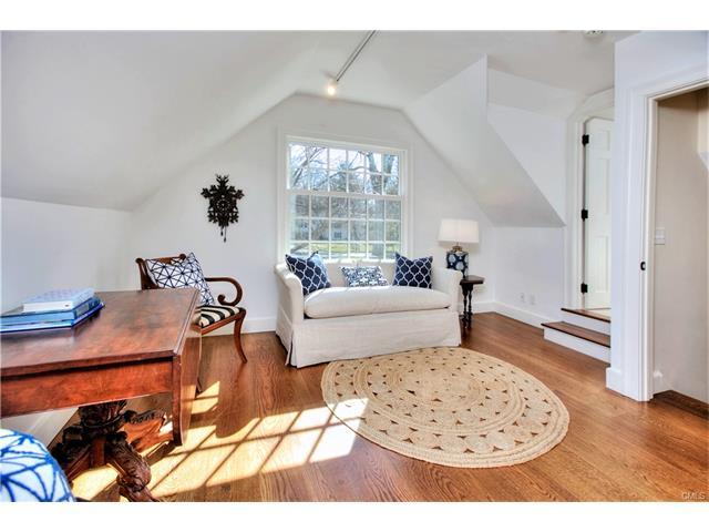 Additional photo for property listing at 2 NOLEN LANE  Darien, Connecticut,06820 Stati Uniti
