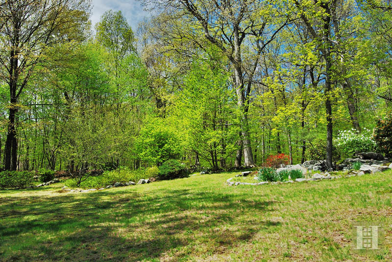 Additional photo for property listing at 154 SOUTH BALD HILL ROAD  New Canaan, Connecticut,06840 États-Unis