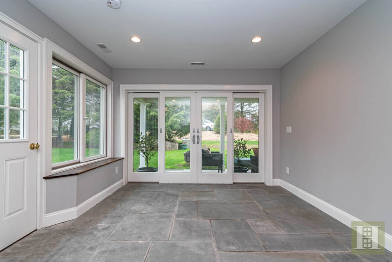 Additional photo for property listing at 327 JELLIFF MILL ROAD  New Canaan, Connecticut,06840 Vereinigte Staaten