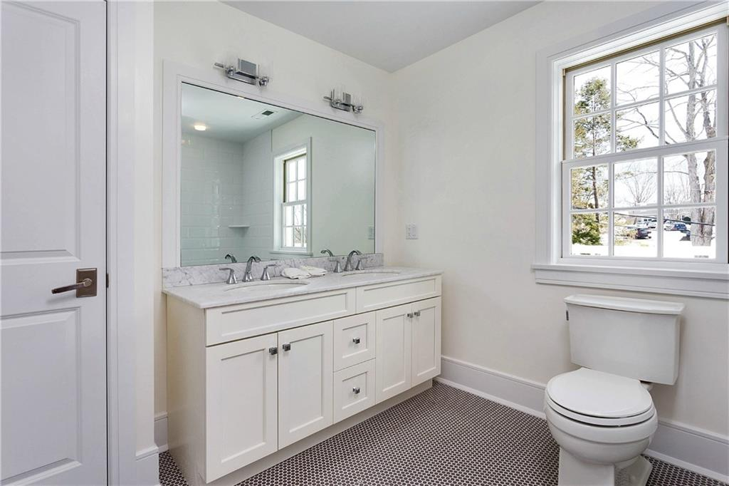 Additional photo for property listing at 167 SUMMER STREET  New Canaan, Connecticut,06840 Hoa Kỳ