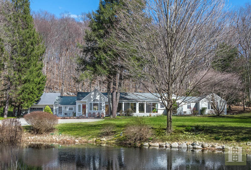 Vivienda unifamiliar por un Venta en 7 VALLEY LANE New Canaan, Connecticut,06840 Estados Unidos
