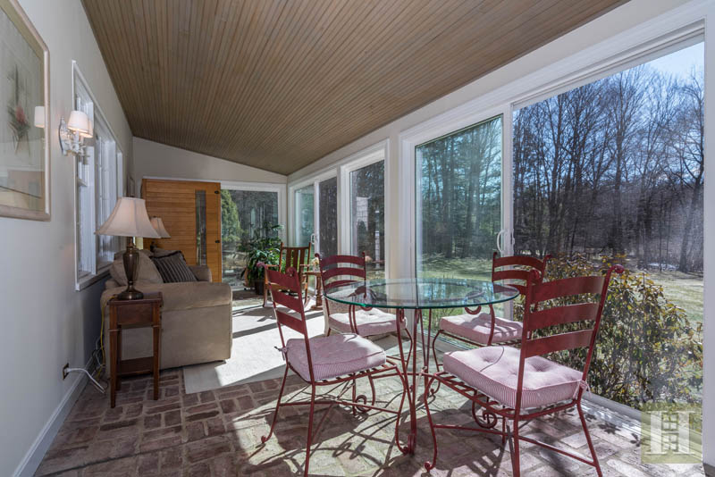 Additional photo for property listing at 7 VALLEY LANE  New Canaan, Connecticut,06840 États-Unis
