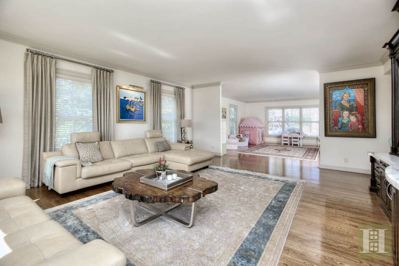 Additional photo for property listing at 2572 BOSTON POST ROAD  Darien, コネチカット,06820 アメリカ合衆国