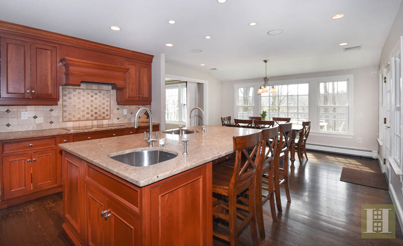 Additional photo for property listing at 13 THAYER POND ROAD  New Canaan, Connecticut,06840 Vereinigte Staaten