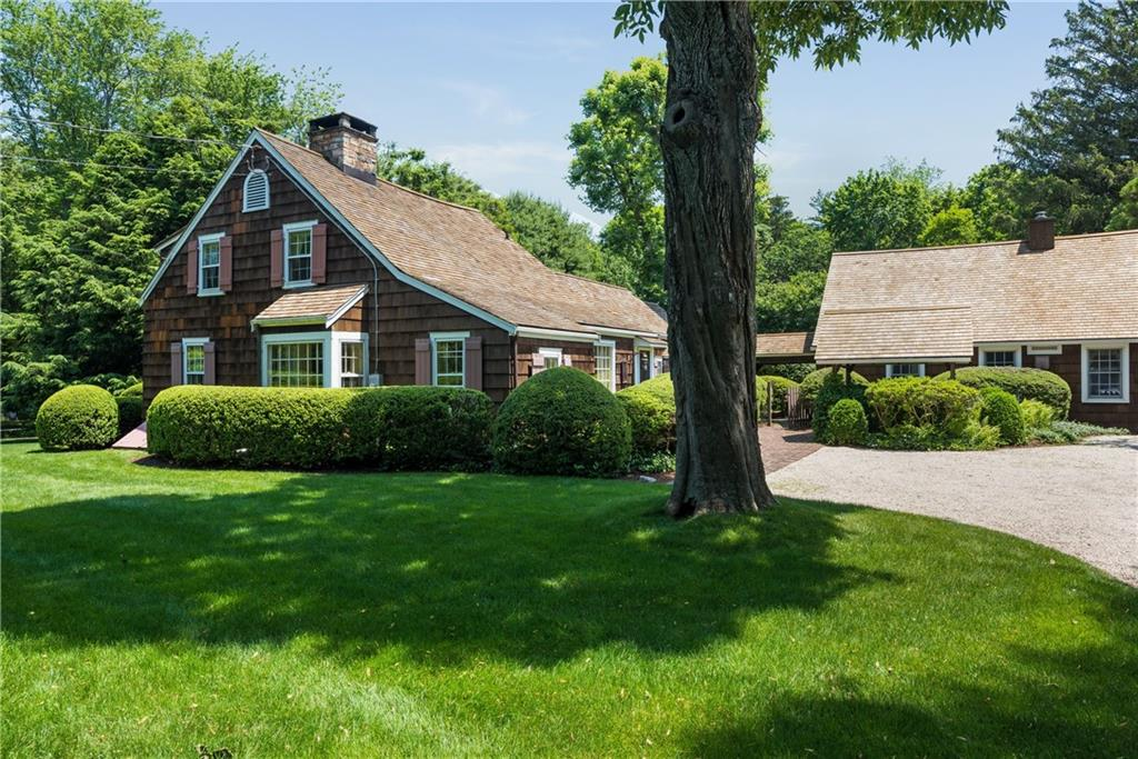 Maison unifamiliale pour l Vente à 258 HOLLOW TREE RIDGE ROAD Darien, Connecticut,06820 États-Unis